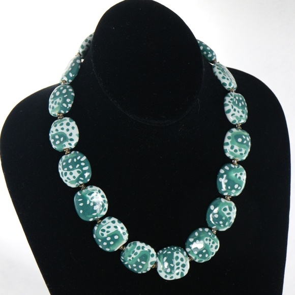 Kazuri Jewelry - KAZURI Pebbles Green 18 in Handmade Necklace